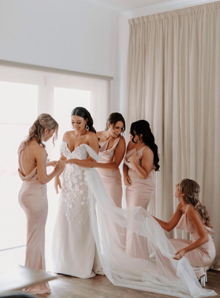 Gown: d'Italia / Photographer: Duuet Weddings